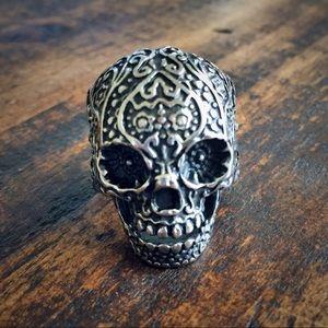 Skull filigree ring